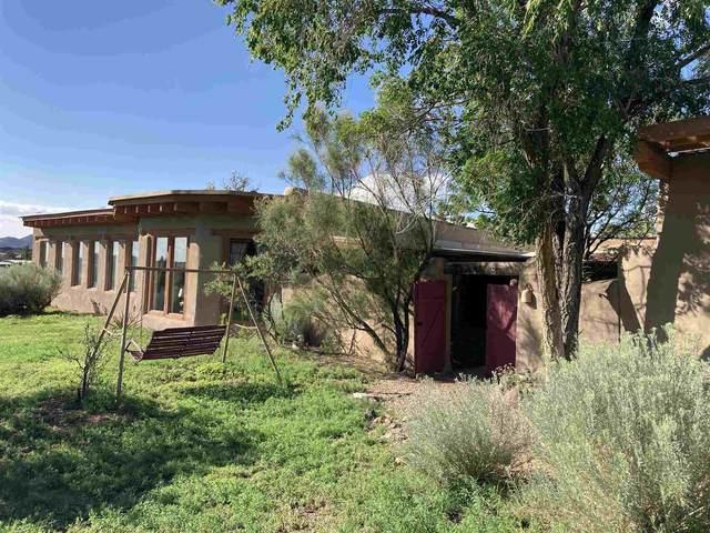 48 Camino Valle, Santa Fe, NM 87508 (MLS #202103465) :: Neil Lyon Group   Sotheby's International Realty