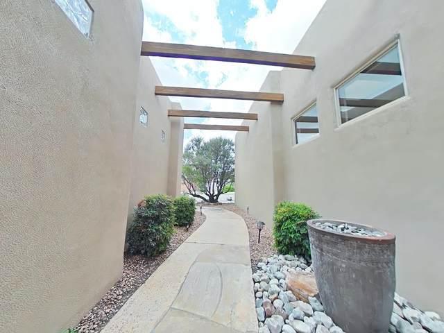 5009 NW San Adan Avenue, Albuquerque, NM 87120 (MLS #202104382) :: Summit Group Real Estate Professionals