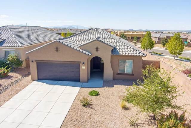 4676 Hojas Verdes, Santa Fe, NM 87507 (MLS #202104445) :: Summit Group Real Estate Professionals