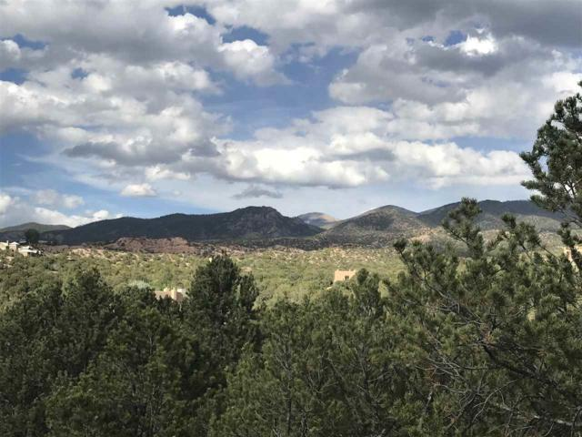 8 Corte Corazon, Santa Fe, NM 87506 (MLS #201703083) :: The Desmond Group
