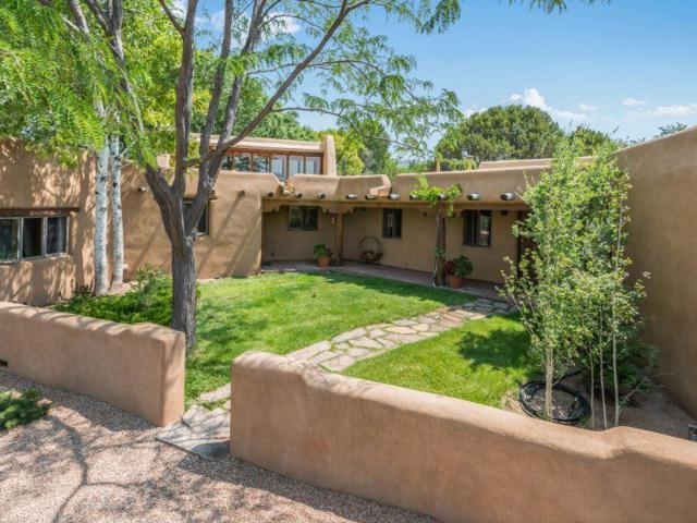 108 Calle Paula, Santa Fe, NM 87505 (MLS #201803564) :: The Desmond Group