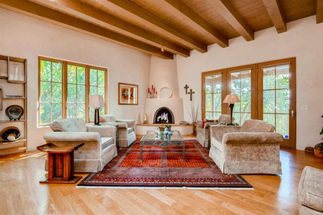 6 Arroyo Vista, Santa Fe, NM 87505 (MLS #201805016) :: The Desmond Group