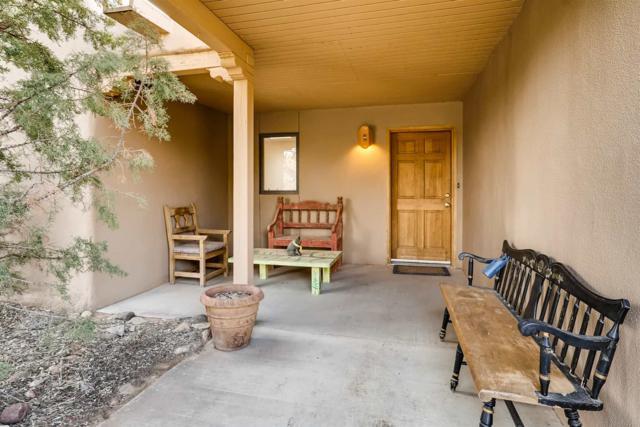 13 Estacada Rd, Santa Fe, NM 87508 (MLS #201900285) :: The Desmond Group