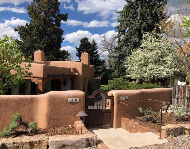 441-443 Camino Monte Vista, Santa Fe, NM 87505 (MLS #201901785) :: The Desmond Group