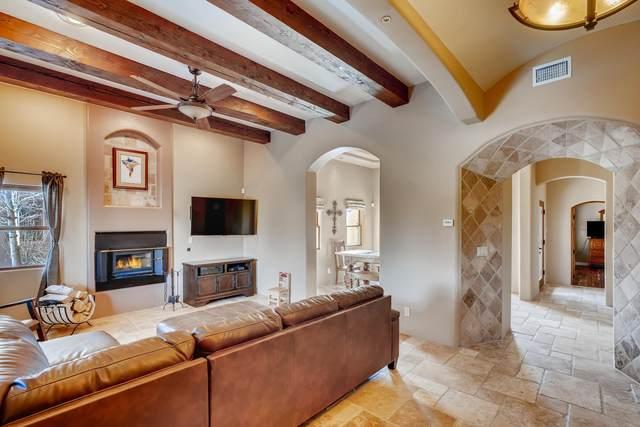 6 Craftsman, Santa Fe, NM 87508 (MLS #202000385) :: The Desmond Hamilton Group