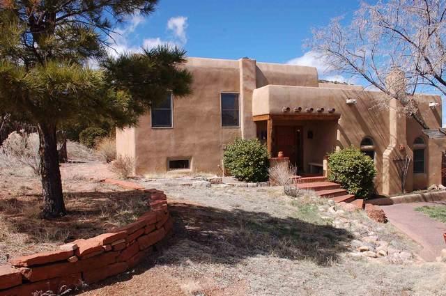 23 Saddle Rd, Santa Fe, NM 87508 (MLS #202000507) :: The Desmond Hamilton Group