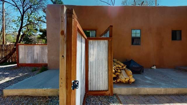 728 Montez Pl, Santa Fe, NM 87501 (MLS #202001481) :: The Very Best of Santa Fe