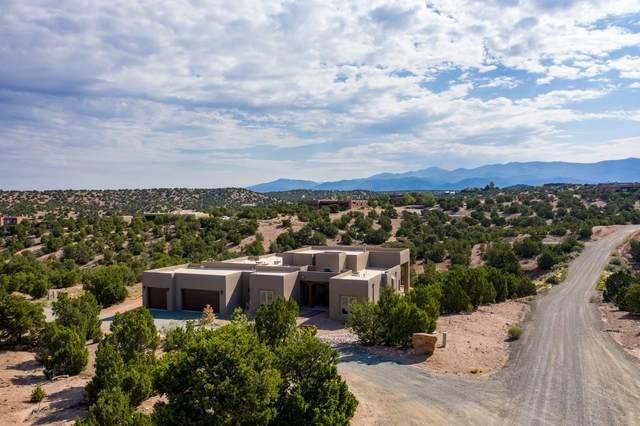 24 Camino Hasta Manana, Santa Fe, NM 87506 (MLS #202002944) :: The Desmond Hamilton Group