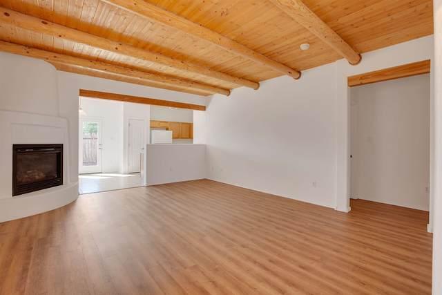 4401 Mesa Bonita, Santa Fe, NM 87507 (MLS #202003819) :: Summit Group Real Estate Professionals