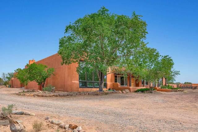 58 Calle Francisca, Santa Fe, NM 87507 (MLS #202100395) :: Berkshire Hathaway HomeServices Santa Fe Real Estate
