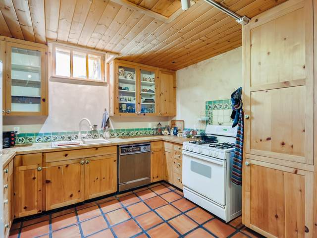 728 Don Gaspar Ave Apt 2, Santa Fe, NM 87505 (MLS #202100491) :: Berkshire Hathaway HomeServices Santa Fe Real Estate