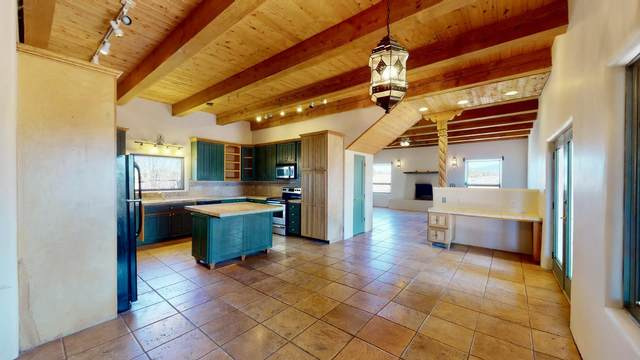 32 Jacinto Road, Santa Fe, NM 87508 (MLS #202101637) :: Summit Group Real Estate Professionals