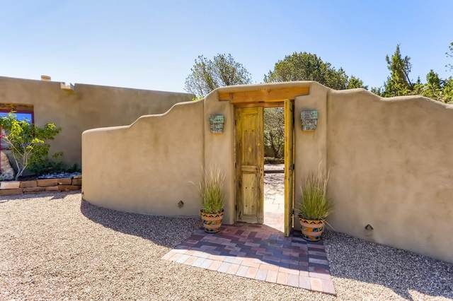 1011 Bishops Lodge, Santa Fe, NM 87501 (MLS #202102835) :: Neil Lyon Group | Sotheby's International Realty