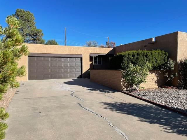 121 La Placita, Santa Fe, NM 87505 (MLS #202103447) :: Summit Group Real Estate Professionals