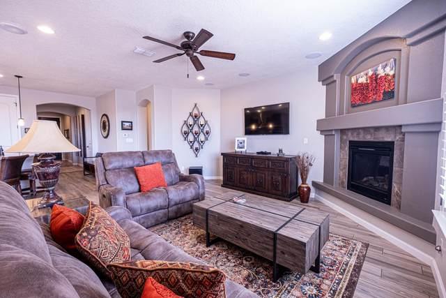 4690 Hojas Verdes, Santa Fe, NM 87507 (MLS #202103756) :: Summit Group Real Estate Professionals
