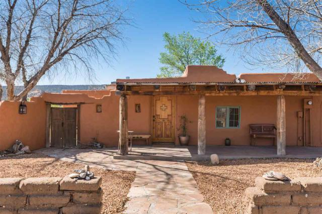 300 County Road 41, Los Luceros, NM 87511 (MLS #201801432) :: The Desmond Group