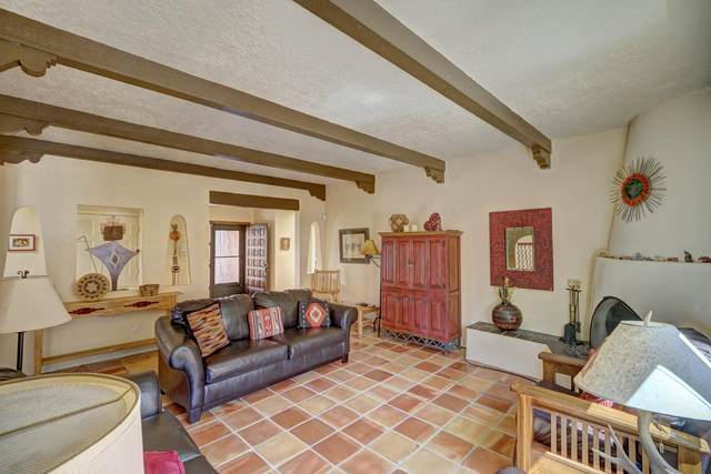 310 Calle Estado, Santa Fe, NM 87501 (MLS #202002067) :: Summit Group Real Estate Professionals