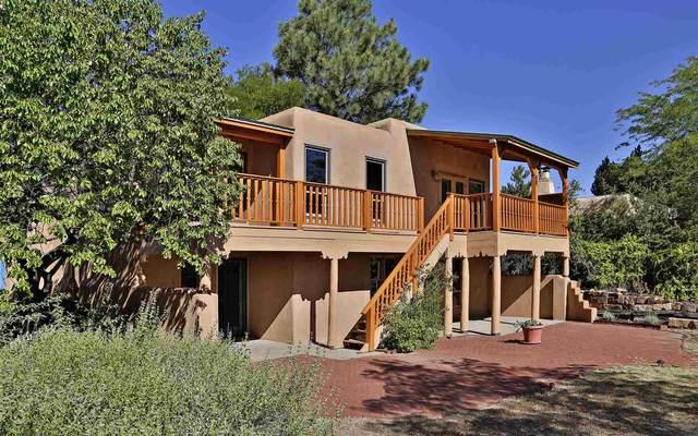 2982 Plaza Blanca, Santa Fe, NM 87505 (MLS #202003680) :: Summit Group Real Estate Professionals
