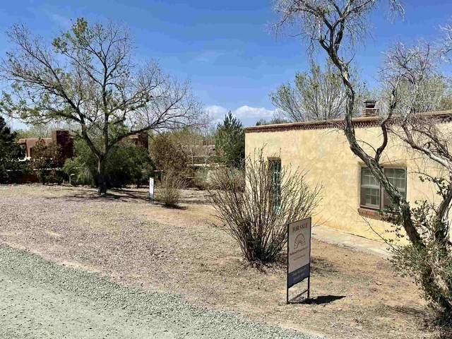 623 Garcia, Santa Fe, NM 87505 (MLS #202101099) :: Neil Lyon Group   Sotheby's International Realty