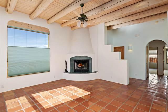 3240 Nizhoni, Santa Fe, NM 87507 (MLS #202102963) :: Summit Group Real Estate Professionals