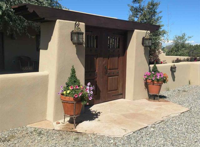 109 Mejor Lado (House), Santa Fe, NM 87508 (MLS #201505425) :: The Desmond Group