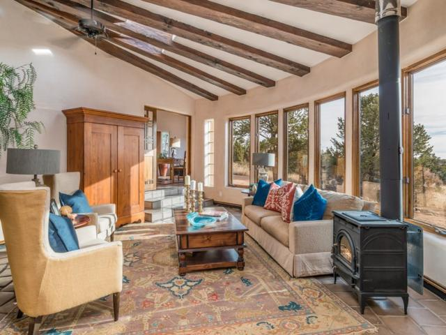 162AB Vaquero Road, Santa Fe, NM 87508 (MLS #201805370) :: The Desmond Group