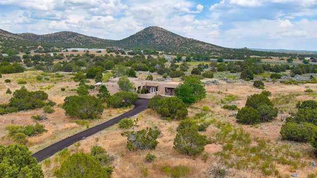 56 Camino Dimitrio, Santa Fe, NM 87508 (MLS #201903059) :: The Very Best of Santa Fe