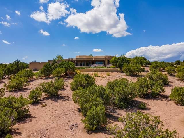 2 Paseo Del Paloma, Santa Fe, NM 87506 (MLS #202103969) :: Neil Lyon Group | Sotheby's International Realty