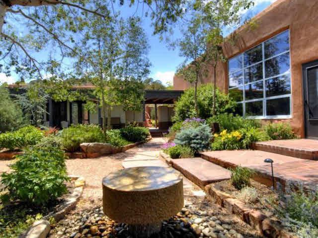 4 Avenida La Scala, Santa Fe, NM 87506 (MLS #201705382) :: Deborah Cox & Associates