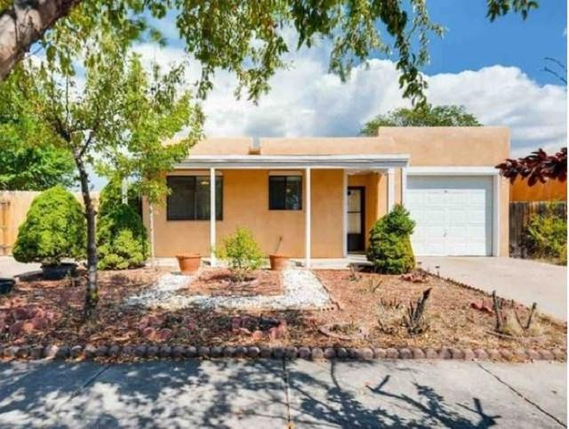 1013 Calle Carmilita, Santa Fe, NM 87505 (MLS #201802855) :: The Desmond Group