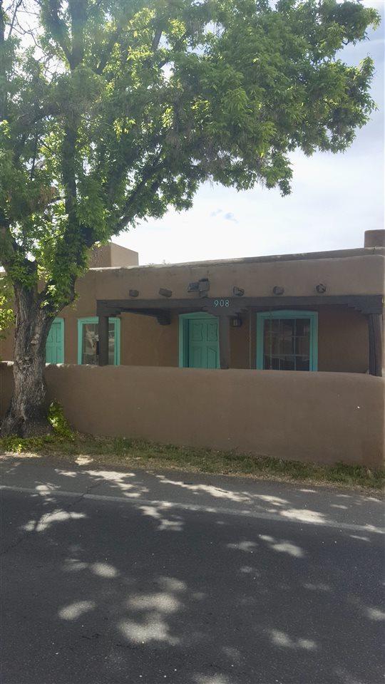 908 & 908 1/2 Galisteo Street, Santa Fe, NM 87505 (MLS #201804246) :: The Very Best of Santa Fe
