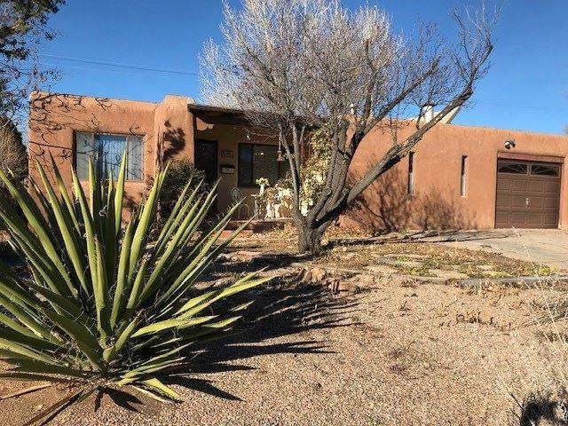 142 Alamo, Santa Fe, NM 87501 (MLS #201805628) :: The Desmond Group