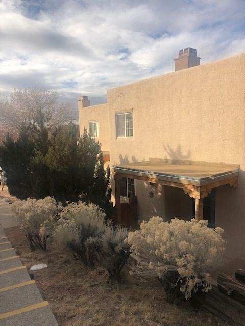 2210 Miguel Chavez #1311 #1311, Santa Fe, NM 87505 (MLS #201805699) :: The Very Best of Santa Fe