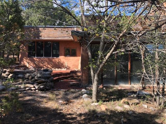 329 Hwy 110, El Rito, NM 87530 (MLS #201900346) :: The Bigelow Team / Realty One of New Mexico