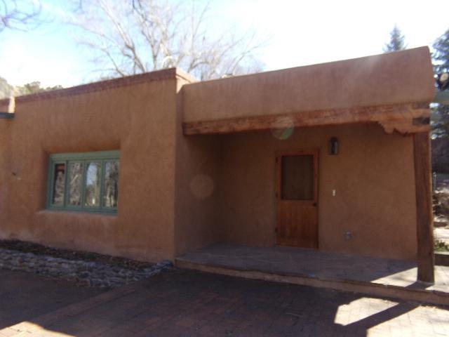 1475 Bishops Lodge, Santa Fe, NM 87506 (MLS #201901160) :: The Desmond Group