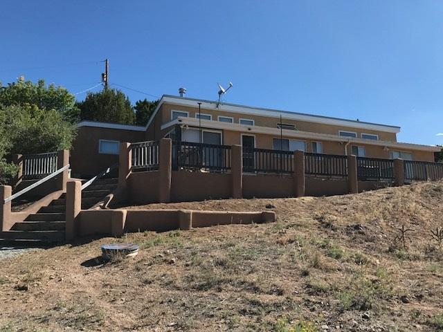 92 Camino Chupadero, Santa Fe, NM 87506 (MLS #201901284) :: The Desmond Group