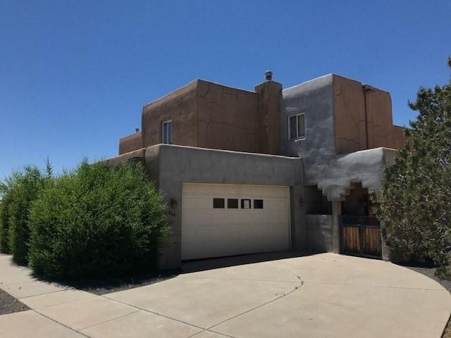 2864 Pueblo Bonito, Santa Fe, NM 87507 (MLS #201901501) :: The Bigelow Team / Realty One of New Mexico