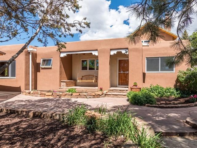 129 Solana Drive, Santa Fe, NM 87501 (MLS #201902159) :: The Desmond Group