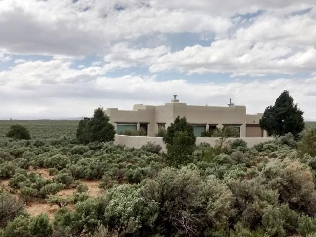 5 Calle Casa Del Cielo, El Prado, NM 87529 (MLS #201903454) :: The Very Best of Santa Fe