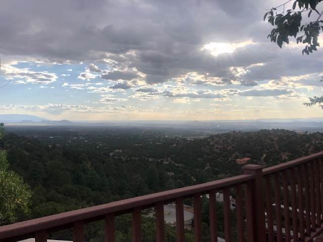 39 Double Arrow, Santa Fe, NM 87505 (MLS #201904298) :: The Desmond Group