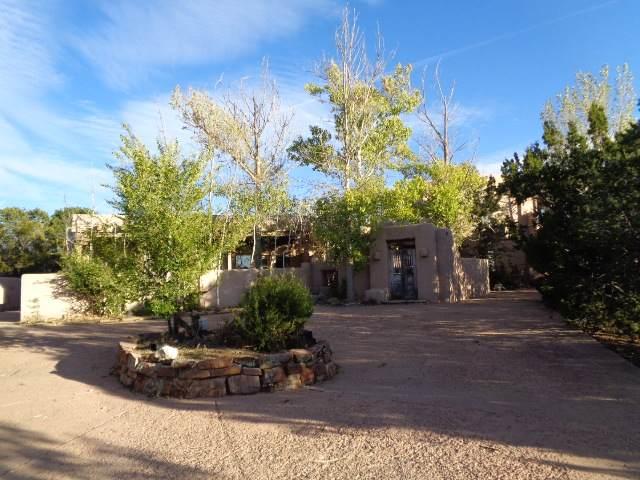 1043 Bishops Lodge Rd, Santa Fe, NM 87501 (MLS #201904807) :: The Very Best of Santa Fe