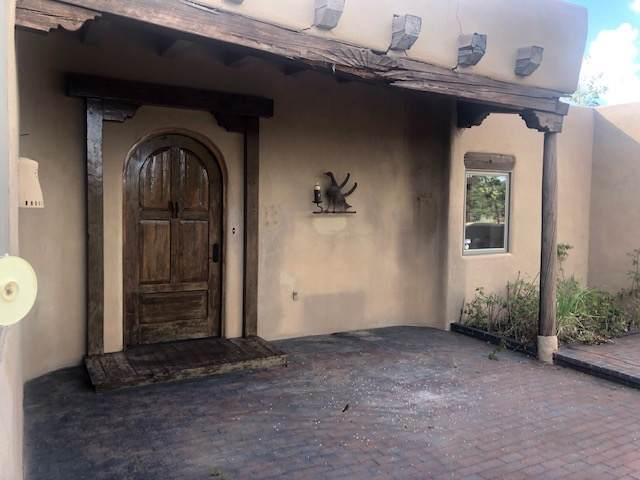 4 Cholla, Santa Fe, NM 87506 (MLS #201905020) :: The Very Best of Santa Fe