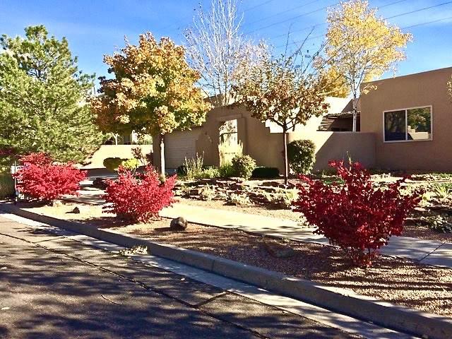 2747 Via Caballero Del Sur, Santa Fe, NM 87505 (MLS #201905185) :: The Desmond Group