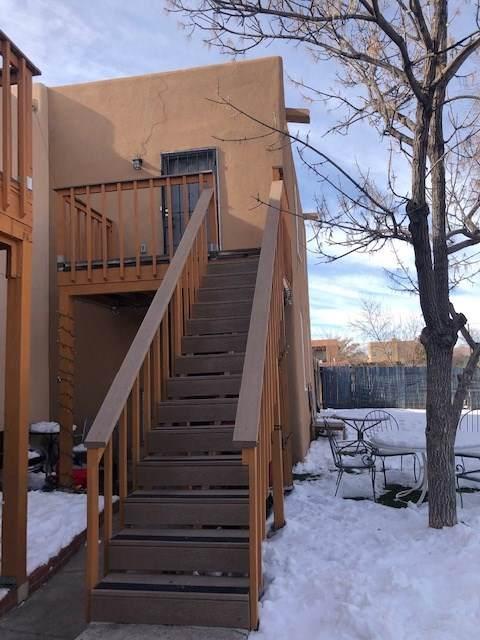 1692-1694 Calle De Oriente Norte 1692-1694, Santa Fe, NM 87507 (MLS #202000155) :: Berkshire Hathaway HomeServices Santa Fe Real Estate