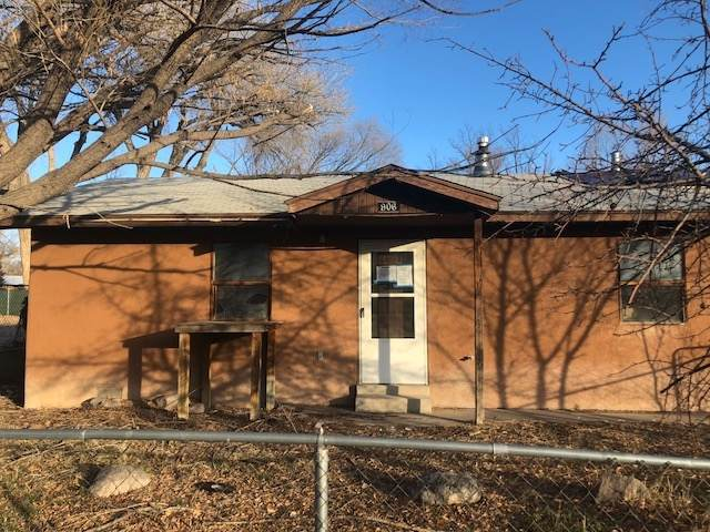 906 E Pueblo St, Espanola, NM 87532 (MLS #202002403) :: The Desmond Hamilton Group