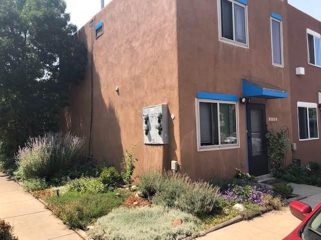 1633 Calle De Oriente N, Santa Fe, NM 87507 (MLS #202003522) :: The Very Best of Santa Fe