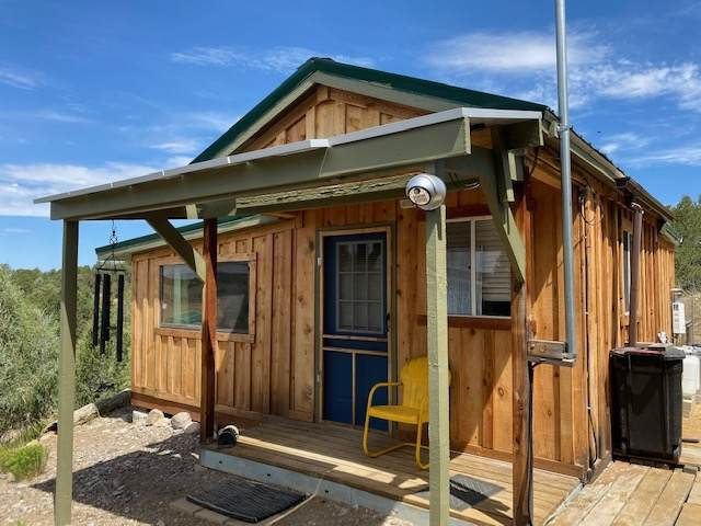 97 Martingale Ln, Tierra Amarilla, NM 87575 (MLS #202004285) :: Stephanie Hamilton Real Estate