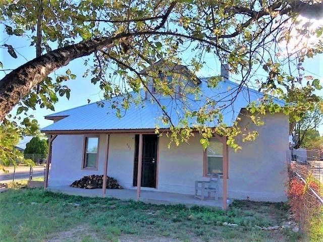 603 Chavez Street, Las Vegas, NM 87701 (MLS #202104067) :: Berkshire Hathaway HomeServices Santa Fe Real Estate