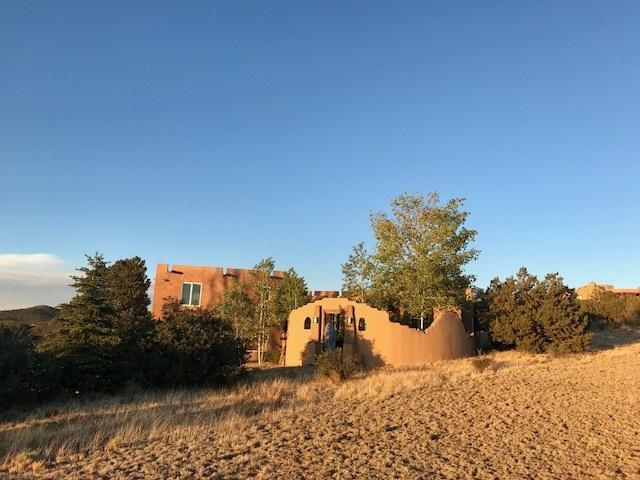 4 Chaparral Court, Santa Fe, NM 87508 (MLS #201803199) :: The Desmond Group