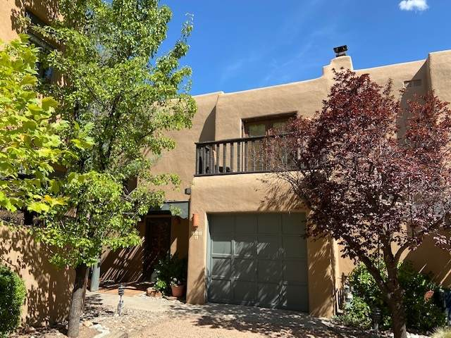 604 Griffin St A, Santa Fe, NM 87501 (MLS #202002824) :: Berkshire Hathaway HomeServices Santa Fe Real Estate